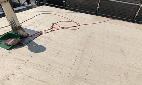屋根(屋根葺き替え)施工中